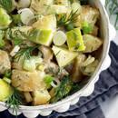 Przepis na świąteczną sałatkę śledziową z ziemniakami