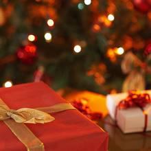 Czego nie powinno się kupować kobiecie na Boże Narodzenie?