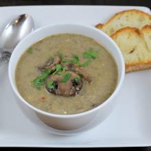Przepis na kremową zupę z pieczarek