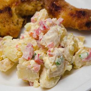 Przepis na sałatkę z ziemniaków do potraw z grilla
