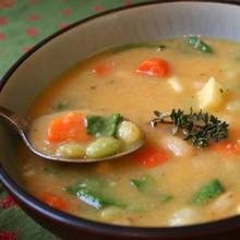 Przepis na pożywną i szybką zupę warzywną