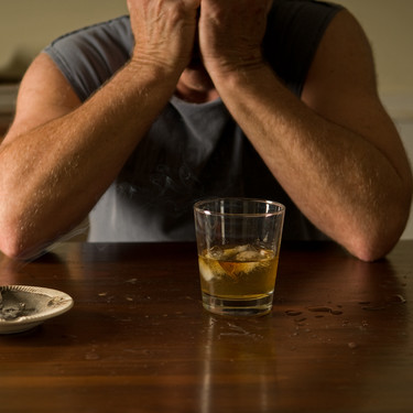 Jak radzić sobie z nawrotami alkoholizmu?