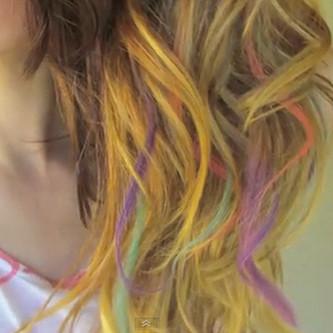 Farbowanie włosów przy pomocy kredy