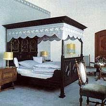 Jak wykonać baldachim nad łóżkiem?