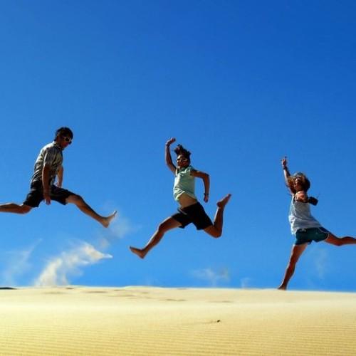 Jak bezpiecznie korzystać z usług biur podróży?