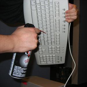 Jak czyścić klawiaturę?