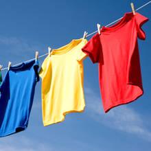 Jak samodzielnie przygotować płyn do płukania tkanin?