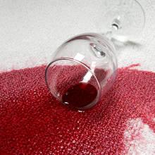 Jak wywabić plamy po czerwonym winie?