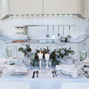 Pomysł na białą dekorację stołu wigilijnego