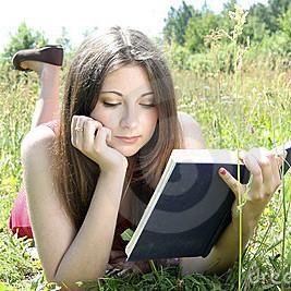 Jak zachęcić nastolatka do czytania książek?