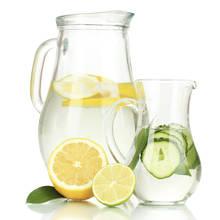 Jakie wartości ma woda z cytryną?