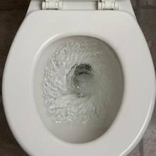 W jaki sposób usunąć kamień z toalety?