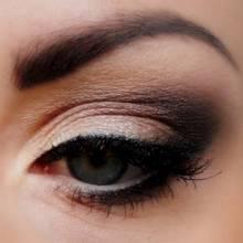 Najciekawsze triki stosowane podczas makijażu oczu