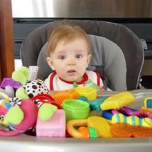 Jak wybierać i kupować zabawki dla małych dzieci?