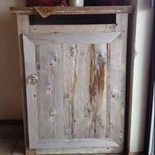 Co można zrobić ze starą szafką?