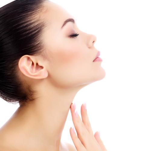 Jak sprawić, by twoja szyja wyglądała młodziej?