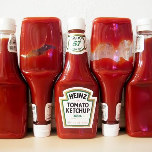Różne ketchupy