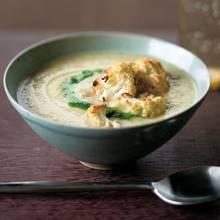Przepis na zupę kalafiorową z dodatkiem kurczaka