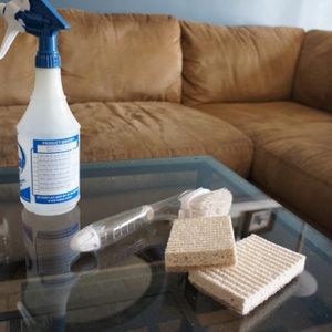 Czym czyścić meble z mikrofibry?