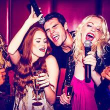 Jakie piosenki wybrać na sylwestrowe karaoke?