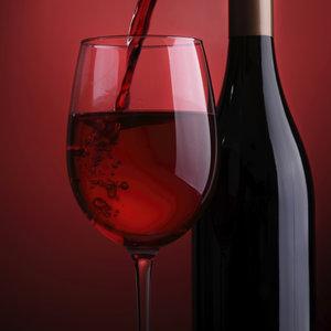 Moc szampana i czerwonego wina