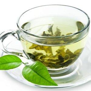 Woda i zielona herbata