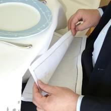 W jaki sposób używać serwetki w restauracji?