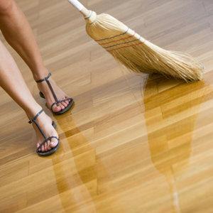 Podłogi drewniane lakierowane