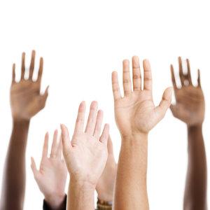 Domowe sposoby na przesuszone dłonie i łokcie