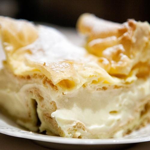 Przepis na ciasto z kremem budyniowym (Karpatka)