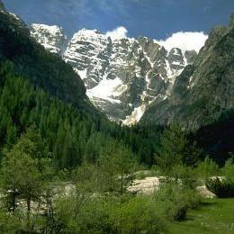 Dokąd wybrać się na narty w Dolomitach?