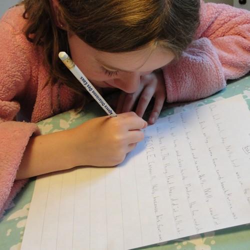 Jak przygotować dziecko do pisania opowiadań?