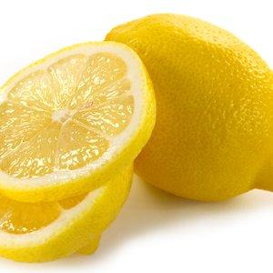 Sok z cytryny lub płyn octowy
