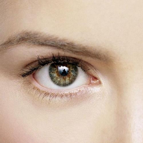 Domowe sposoby na cienie i obrzęki pod oczami