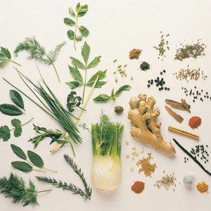 Które zioła i przyprawy szkodzą w ciąży?