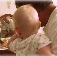 Zabawa dla niemowląt 0 – 4 miesięcy