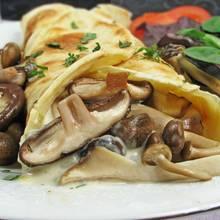 Przepis na obiadowe naleśniki z kurczakiem i pieczarkami
