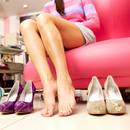 Jak nauczyć się chodzić w butach na obcasach?