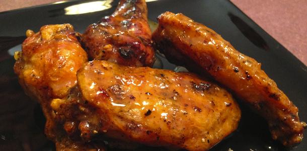 Przepis na skrzydełka z kurczaka w marynacie z musztardy podlewane piwem