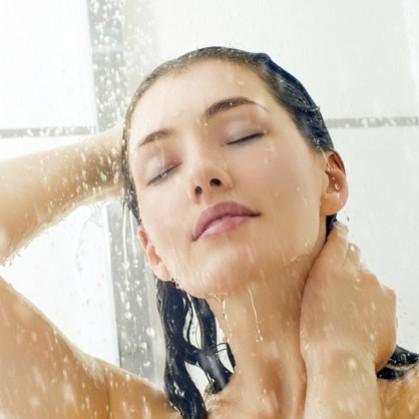 Jak odżywić włosy po zimie?