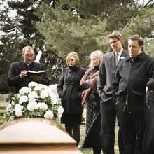 Jak należy zachowywać się podczas pogrzebu?