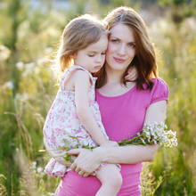 Jaki prezent wręczyć młodej mamie?