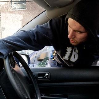Jak uchronić swój samochód przed kradzieżą?
