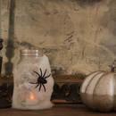 Jak zrobić halloweenowy lampion ze słoika i waty?