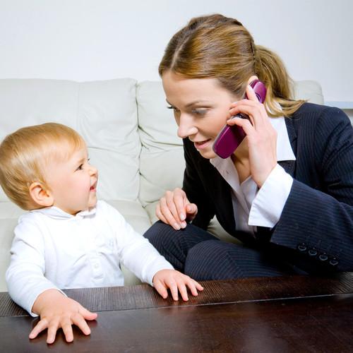 Powrót do pracy po urodzeniu dziecka – porady i wskazówki