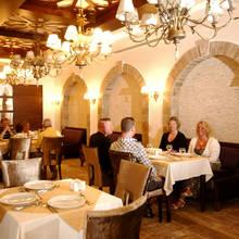 Jak powinno się zachowywać w restauracji?