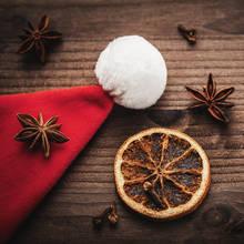 Jak stworzyć świąteczną atmosferę dzięki olejkom eterycznym?