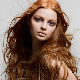 Jak pielęgnować włosy – poradnik dla zabieganych