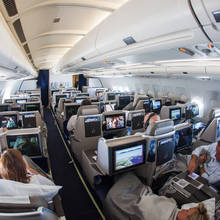 Jak zachowywać się poprawnie w samolocie?