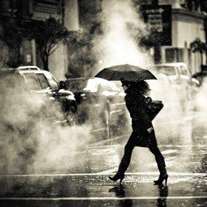 Jak być bezpiecznym podczas ulewnych deszczy?